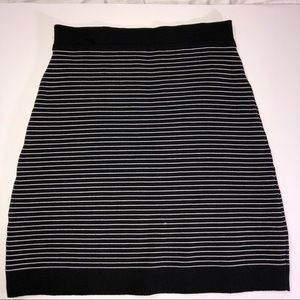 BEBE STRETCH SKIRT